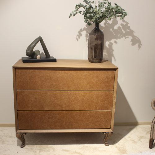 10. Colectia Veneto - Dormitor - comoda