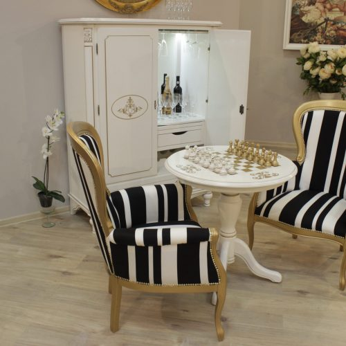 15. Colectia Larisa - sufragerie alb